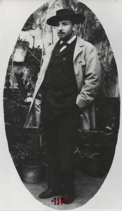 12.Luigi Pirandello sulla terrazza dello zio materno Rocco Ricci Gramitto nel 1895 a Roma via del Corso 456 1