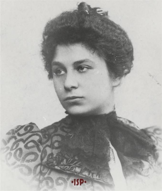 14.Maria Antonietta Portolano moglie di Luigi Pirandello 1