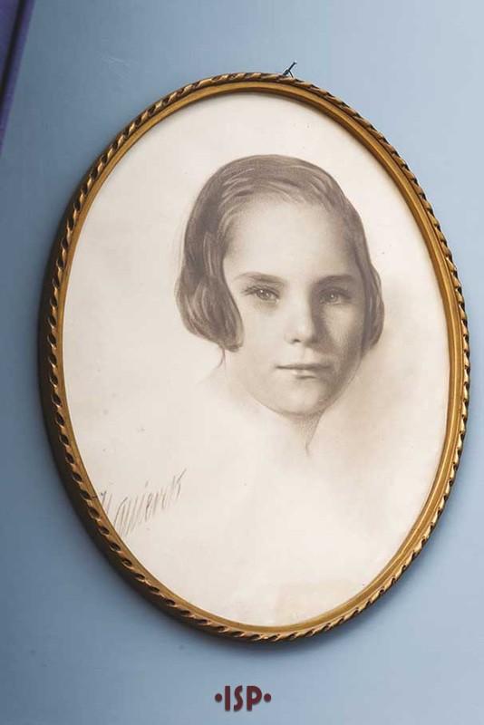 35 Salone. Ritratto di Maria Luisa Aguirre figlia di Lietta Pirandello.