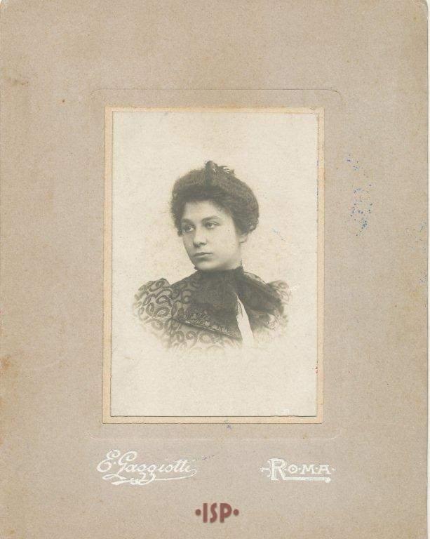 02 La moglie Maria Antonietta Portolano